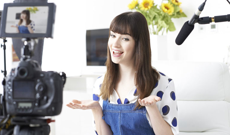 7 Reasons Why Ecommerce Businesses Should Invest In Video Testimonials
